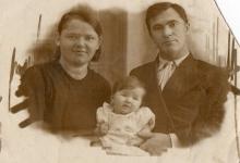 Семья Челпановых: Тамара Алексеевна, Иван Петрович и дочь Надежда 1939 год