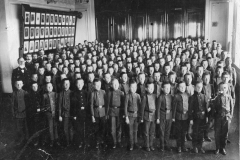 В актовом зале мужской гимназии