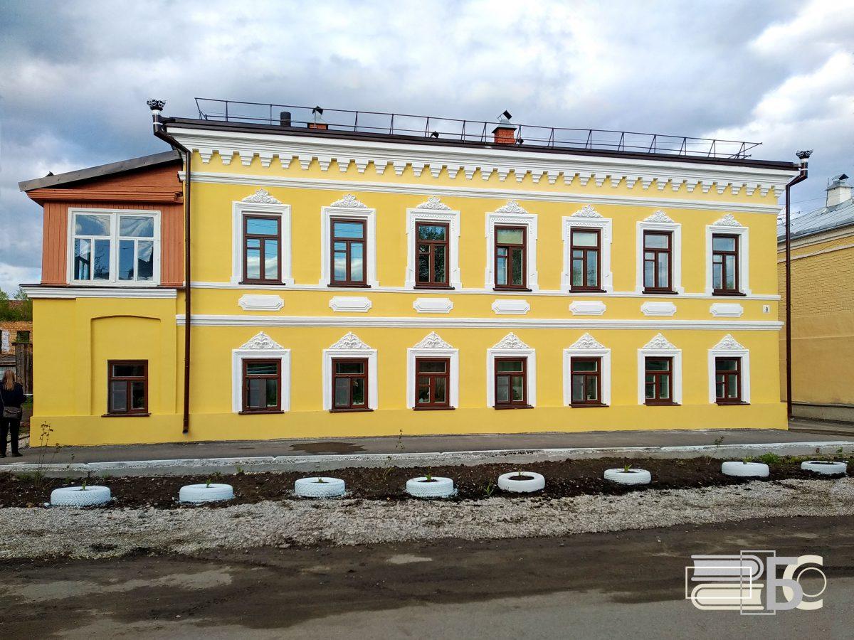 Володарского, 8
